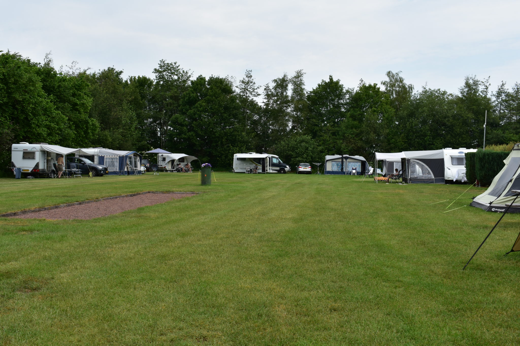 camping harminahoeve staanplaatsen caravan 2