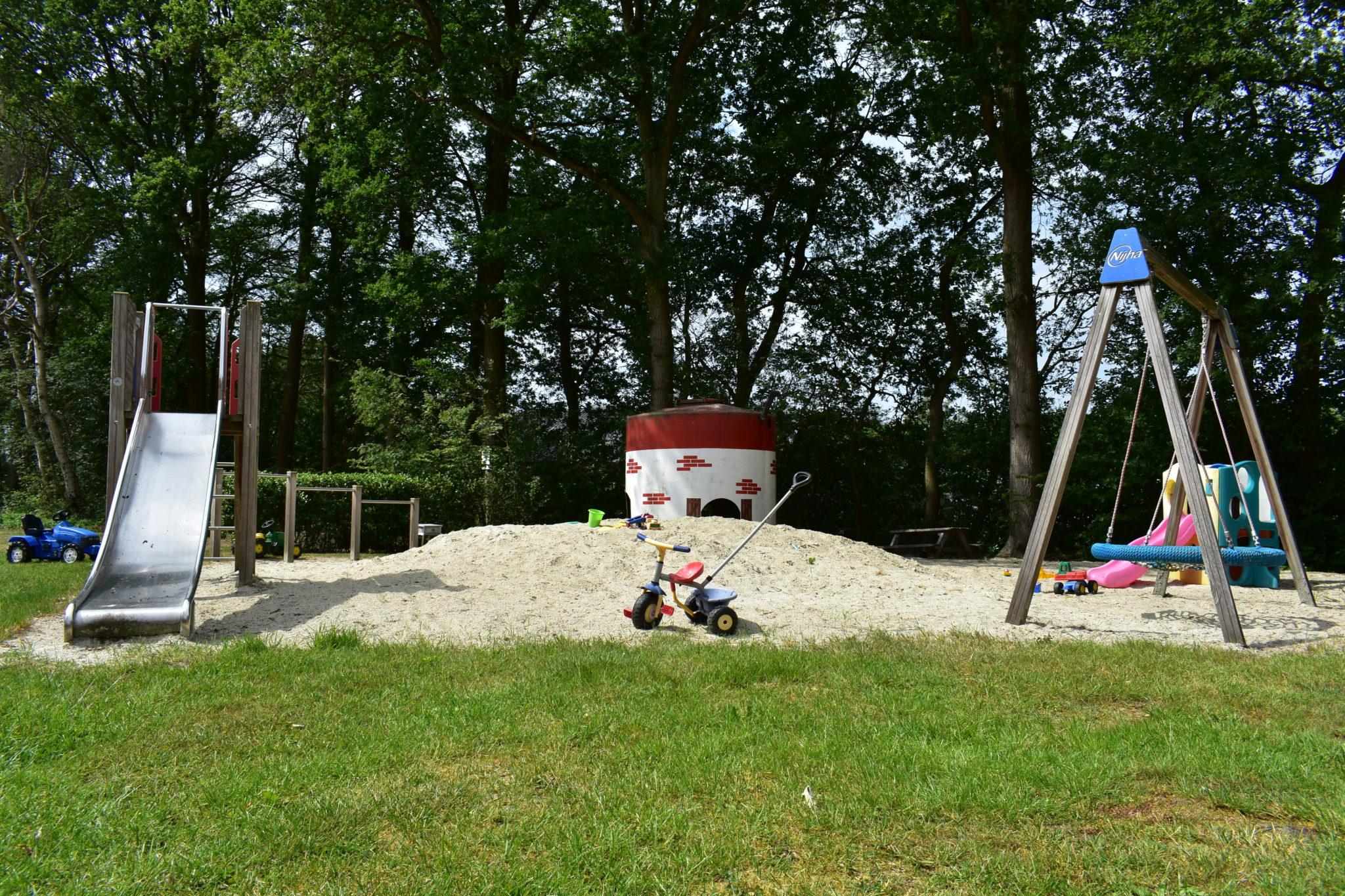 camping harminahoeve speeltuin